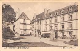 03 - BOURBON-l'ARCHAMBAULT - La Place Des Thermes - Bourbon L'Archambault