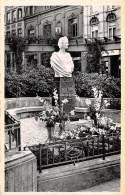 ARLON - Square Astrid - Statue De La Reine Astrid - Arlon