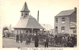 BANNEUX - La Chapelle - Les Pèlerins Pendant La Messe - Sprimont