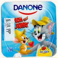 "Opercule Cover Yaourt Yogurt "" Danone "" Tom & Jerry 1 Arabic Disney Banane  Banana  Yoghurt Yoghourt Yahourt Yogourt - Opercules De Lait"