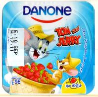 "Opercule Cover Yaourt Yogurt "" Danone "" Tom & Jerry 4 Arabic Disney Banane  Banana  Yoghurt Yoghourt Yahourt Yogourt - Opercules De Lait"
