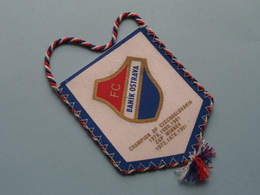 FC BANIK OSTRAVA Champion Of Czecnoslovakia Cup Winner ( Zie Foto's ) Wimpel - Pennant ! - Voetbal