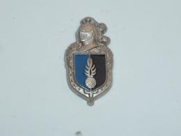 Pin's INSIGNE GENDARMERIE NATIONALE - Police