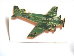 INSIGNE PINS EMAILLE ARMEE DE L'AIR  AVIATION  LE JUNKERS JU 52 (ALLEMAND)  ETAT EXCELLENT - Army