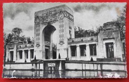 Cpsm 92 GARCHES Monument De L'Escadrille Lafayette   Aviteur, Avion - Garches