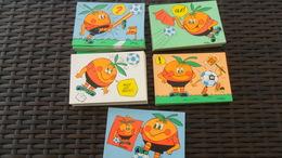 LOT  N° 259  / 50 CARTES THEME  SPORTS ILLUSTREES FOOT ESPAGNE 82  CPM 10 X 15 NEUVES - Cartes Postales