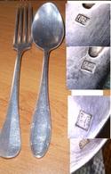Couverts Anciens En Métal Argenté - Silverware