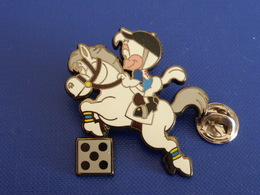 Pin's Mascotte Coq Poussin - équitation Cheval 12ème Jeux D'Asie - Hiroshima Japon - 1994 (PF30) - Badges
