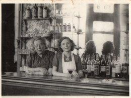 PHOTO  ANCIENNE -   CHERBOURG  - Intérieur D'un Bar -  19 Septembre 1948 - Orte
