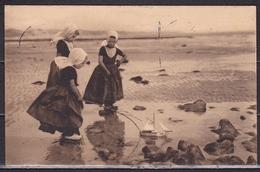 1910 Zeeland Klederdracht Walcheren Strandgezicht (Zoutelande ?) Z/W Met NVPH 60 Van Scheveningen Gelopen Naar Duitsland - Andere