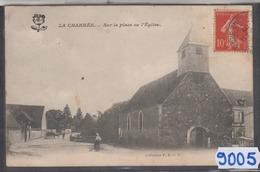 8905 CPA  LA CHARMEE SUR LA PLACE DE L EGLISE - Francia