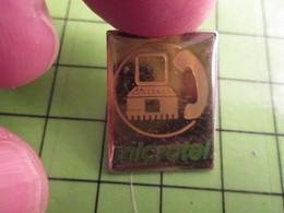 1018A Pin's Pins / Rare Et De Belle Qualité / THEME INFORMATIQUE : ORDINATEUR + TELEPHONE = MICROTEL - Computers
