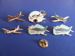 Lot 6 Pin's Avions Légers - Avion Aeroclub - Piper TB20 ... (Z23) - Airplanes