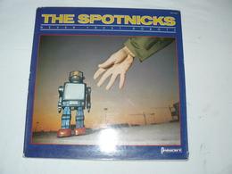 N° PRE 30001 THE SPOTNICKS . Never Trust Robots - Rock