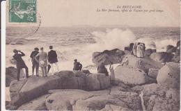 CPA -  EN BRETAGNE La Mer Furieuse, Effets De Vagues Par Gros Temps - France