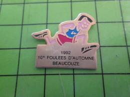 1018B Pin's Pins / Rare Et De Belle Qualité / THEME SPORTS : ATHLETISME 1992 10e FOULEES D'AUTOMNE BEAUCOUP - Athletics