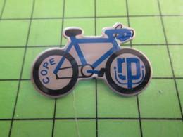 1018B Pin's Pins / Rare Et De Belle Qualité / THEME SPORTS : CYCLISME VELO ROUE COPE Pas Jean-François - Athlétisme