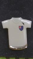 Pin's FOOTBALL ,speldje Shirt Nieuw Zeeland EK /  Pin Shirt  New Zealand EK - Fussball