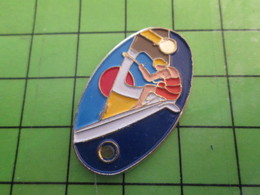 1018B Pin's Pins / Rare Et De Belle Qualité / THEME SPORTS : PLANCHE A VOILE - Sailing, Yachting