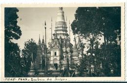 Carte Photo  De  PNON - PENH   ( Cambodge )  Tombeau Du Bronzes - Cambodia