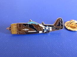 Pin's Avion De Chasse P-47 Thunderbolt SXB Butch - Armée De L'air - Militaire (Q32) - Airplanes
