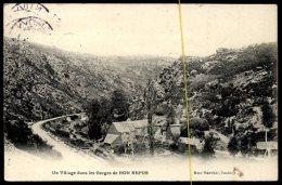 Un Village Dans Les Gorges De Bon Repos - France