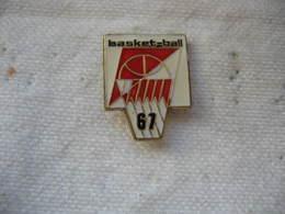 Pin's Basket Ball 67 - Pallacanestro