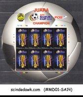 MALAYSIA - 2010 AFF SUZUKI CUP / FOOTBALL SOCCER ROUND SHAPED MIN/SHT MNH - Malaysia (1964-...)