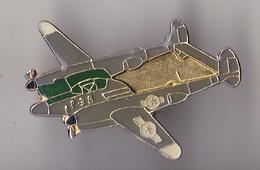 PIN'S THEME AVION  P 88 ARMEE AMERICAINE - Airplanes