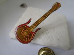 PIN'S  GUITARE - Muziek