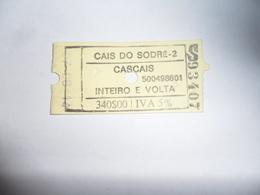 ANCIENNE CARTE DE  BUS  /  TICKET ALLER  RETOUR  / CAIS DO SODRE  / CASCAIS - Titres De Transport