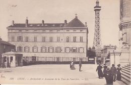 CPA  -  516. LYON Archevêché Et Ascenseur De Al Tour De Fourvière - Lyon