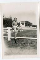 Jeune Femme Young Woman 50s Sexy Tennis Legs Jambes Nues Id EGLETONS  19300 19 Correze Clermont-ferrand Stade RARE - Lieux