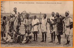 AFRIQUE OCCIDENTALE  -  BURKINA FASO  -  CHASSEURS Et GUERRIERS Du MOSSI   -  Janvier 1924 - Burkina Faso