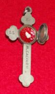 Religion - Croix Reliquaire, Avec Compartiment A Relique à L'arriere Ex SS , Rupe , Calvavarii, 8 X 4.5 X 1.2 Cm, 35 Gr - Religion & Esotérisme