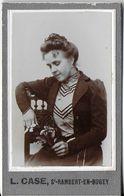 PHOTO FORMAT CDV  JEUNE-FEMME  PHOTOGRAPHE L. CASSE SAINT RAMBERT-EN-BUGEY 01 AIN - Anonymous Persons