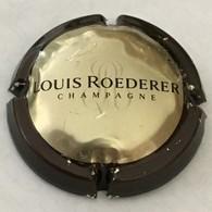 123 - Capsule De Champagne - 102 - Louis Roederer Contour, Brun Foncé (centre Or) - Roederer, Louis