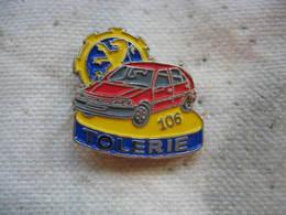 Pin's Atelier Tolerie Des Usines PEUGEOT De Mulhouse. Peugeot 106 - Peugeot