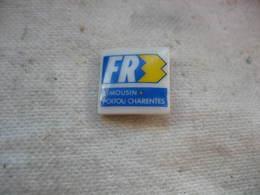 Pin's En Porcelaine, FR3 Limousin-Poitou-Charentes - Medias