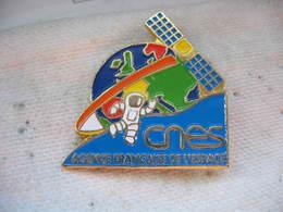Pin's Du CNES, Agence Francaise De L'espace - Army