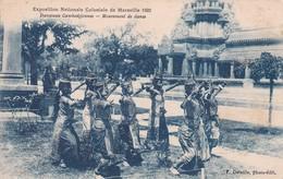 Danseuses Cambodgiennes Mouvement De Danse Exposition Nationale Coloniale De Marseille 1922 Indochine Cambodge - Cambodia