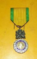 MEDAILLE MILITAIRE : VALEUR ET DISCIPLINE  .REPUBLIQUE FRANCAISE 1870 . ETAT VOIR PHOTO. - Médailles & Décorations