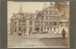 ROUEN (seine  Maritime) - L'Hôtel Bourgtheroulde ,dans Les Années 20 ( Photo Format 11,4cm X 8,4cm). - Luoghi