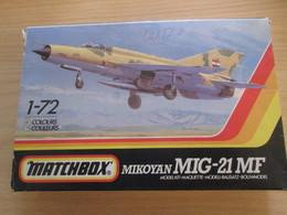 MAQUETTE COLLECTOR MATCHBOX MIG 21 MF : COMPLET PIECES TOUJOURS SUR GRAPPES  Manque Verrière - Airplanes