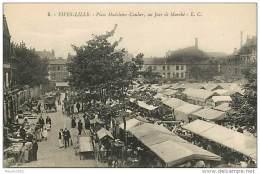 59 FIVES LILLE - PLACE DE LA MADELEINE CAULIER UN JOUR DE MARCHE  N° 314404 - Andere Gemeenten