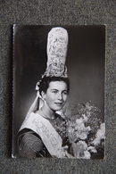 Reine De CORNOUAILLE 1956, Costume De ST GUENOLE PENMARCH . - Penmarch