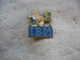 Pin's Informatique Pour La Marque IBM - Computers