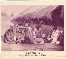 Chromo, Image, Vignette : Cameroun, Yaoundéré, Le Coiffeur (6 Cm Sur 7 Cm) - Unclassified