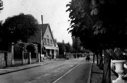 Avenue De La Republique - Combs La Ville