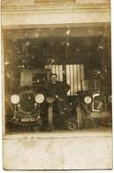 1745 - AUTOMOBILE :  LE GARAGE OUVRE SES PORTES   -VOITURE   CHENARD & WALCKER  &  CITROEN B2  CP PHOTO - PKW